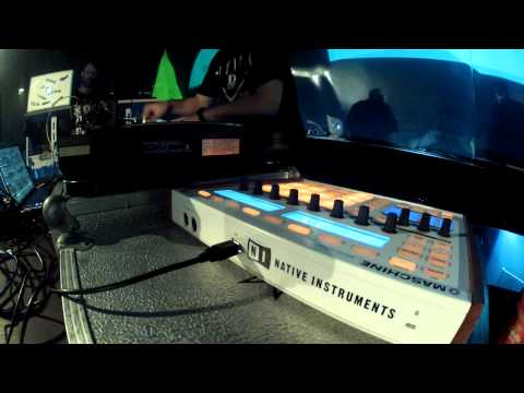 Mostly Robot: Behind the Scenes of Sónar 2012